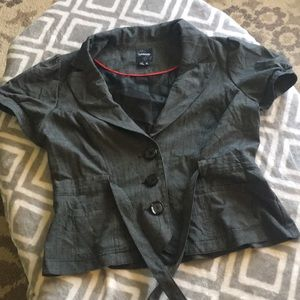 Short sleeve blazer type jacket